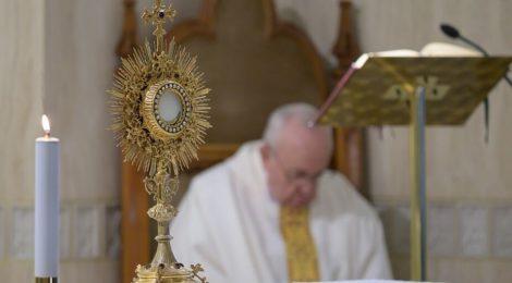 Papież Monstrancja